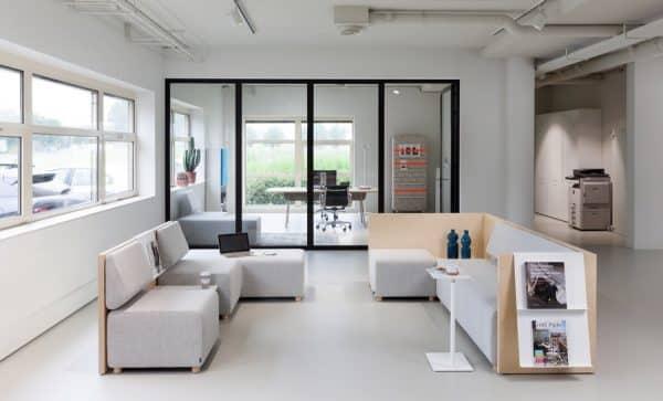 kantoorinrichting open en gesloten ruimte