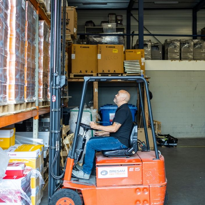 Logistiek & Montage Kantoormeubilair